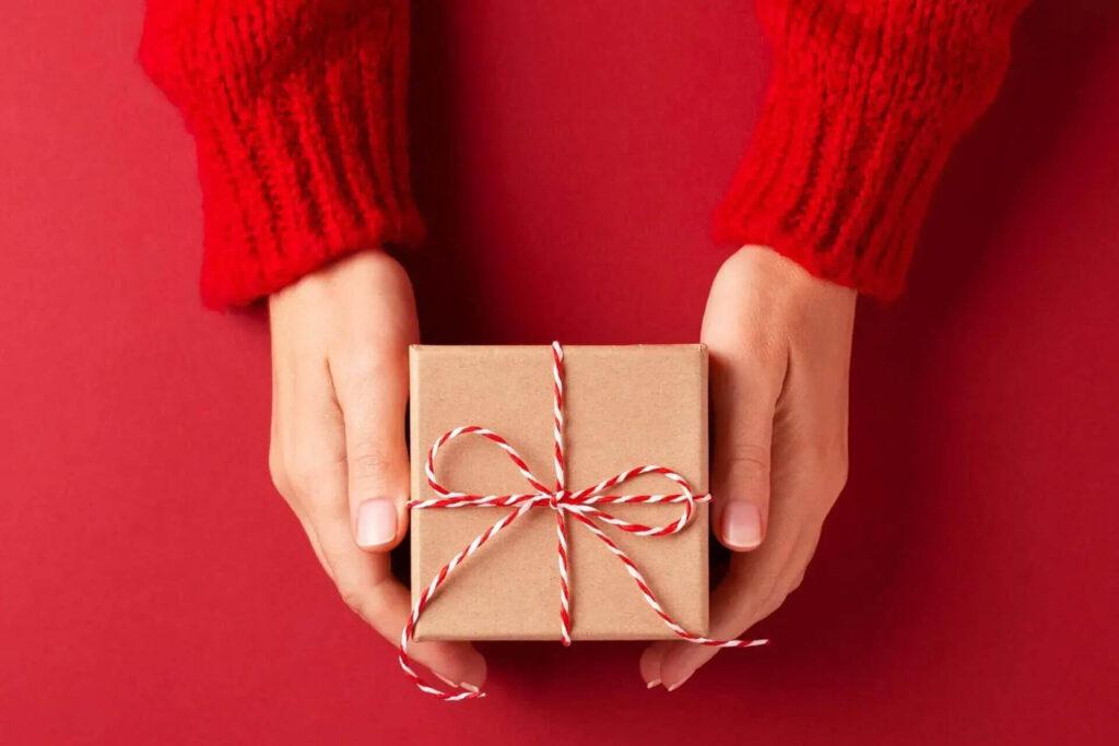 La Casa Holiday Wish Program